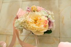 Wedding decor table setting and flowers.  Royalty Free Stock Image