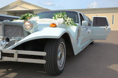 Wedding decoration on a limousine Royalty Free Stock Photos