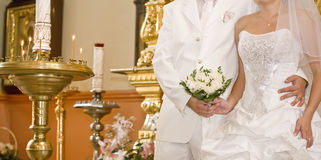 Wedding in der orthodoxen Kirche Stockfoto