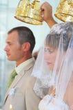 Wedding em um templo ortodoxo. imagem de stock royalty free