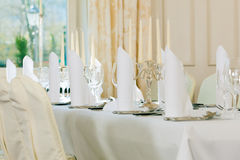 Wedding - feastfully decorated table Royalty Free Stock Photos