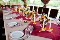 Wedding flowers - tables set for wedding Royalty Free Stock Photography