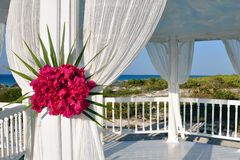 Wedding gazebo at the tropical beach Royalty Free Stock Photos