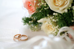 Wedding gold rings Royalty Free Stock Photo