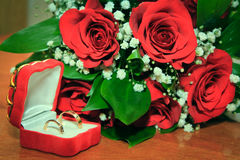 Wedding Ring and Red Rose Royalty Free Stock Photos