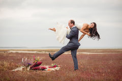 Wedding and love story in nature Royalty Free Stock Photos