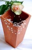 Wedding noch das Leben mit Vase lizenzfreie stockbilder