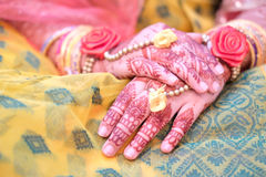 Wedding pattern on hands Royalty Free Stock Photography