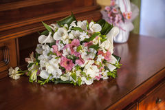 Wedding pink bouquet on the table Royalty Free Stock Photography