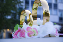 Wedding props, wedding rings, flowers, wedding decoration, items, rings, decorations on the car Royalty Free Stock Photography