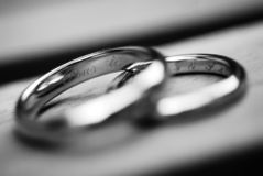 Wedding rings. Black and white picture of wedding rings Royalty Free Stock Photography