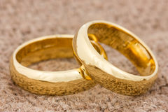 Wedding rings on the burlap Stock Photography