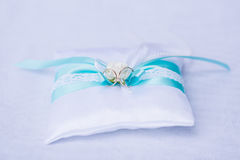Wedding rings on the pillow Royalty Free Stock Photography