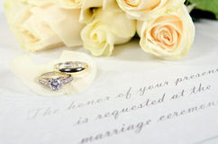 Wedding rings on rose petal Royalty Free Stock Photography