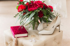 Wedding rings with roses Royalty Free Stock Photography