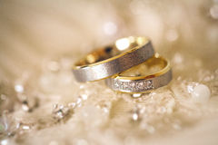 Wedding rings. Shallow dof Royalty Free Stock Photography