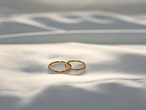 Wedding rings silk Royalty Free Stock Photography