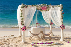Wedding set up, tropical outdoor wedding reception, beauti Royalty Free Stock Photography