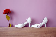 Wedding Shoes. White wedding shoes,light DOF on the shoes Royalty Free Stock Photography