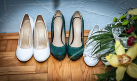 Wedding shoes with flowers Royalty Free Stock Photos