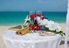 Wedding sulla spiaggia Fotografie Stock Libere da Diritti