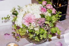 Wedding table with Bouquets with pink roses and hydrangea Royalty Free Stock Images