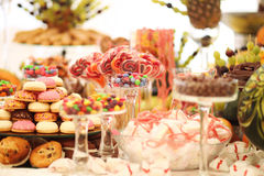 Free Wedding Table Ornament Royalty Free Stock Images - 39890889