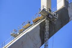 Wederopbouw van concrete brug over het overzees Royalty-vrije Stock Foto's