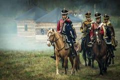 Wederopbouw van de historische slag tussen de de Rus en troepen van Napoleon van de Russische stad van Maloyaroslavets stock afbeeldingen