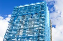 Wederopbouw van de voorgevel van een modern flatgebouw Royalty-vrije Stock Afbeeldingen
