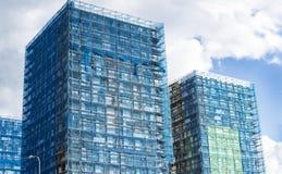 Wederopbouw van de voorgevel van een modern flatgebouw Royalty-vrije Stock Foto