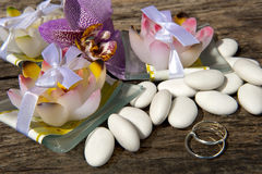 Weeding Favors  and wedding rings Stock Image