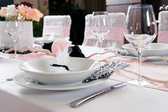 Weeding Interior XVII. Table set for a wedding dinner Royalty Free Stock Photography