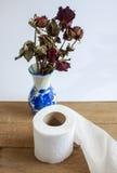 Weefsel en rozen Stock Foto's