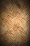 Weefsel van bamboe het dunne lijnen, zigzagmuur met donkere grens, backgroou Stock Foto