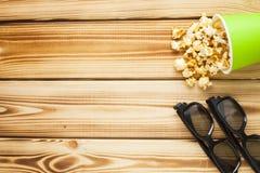Weekend à la maison, le mode de vie de loisirs, TV, concept d'aliments de préparation rapide Image stock