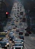 Weekend el tráfico en Belgrado, calle de Kneza Milosa Foto de archivo