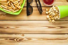 Weekend em casa, o estilo de vida do lazer, tevê, conceito do fast food Imagens de Stock