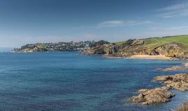 Weergeven aan Molunan-stranden en St Mawes, vanuit St Anthony Head royalty-vrije stock fotografie