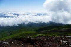 Weergeven neer van dichtbij de top van Onderstel Fuji, Japan royalty-vrije stock afbeeldingen