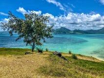 Weergeven op blauwe baailagune Mauritius stock afbeelding