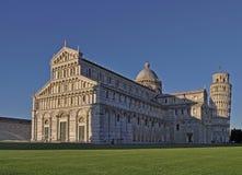 Weergeven op de Kathedraal van Pisa, en Baptistery van Pisa van St John, Piazza del Duomo royalty-vrije stock foto