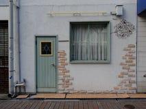 Weergeven op de typische Japanse bouw buiten in Kobe, Japan royalty-vrije stock foto's