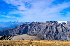 Weergeven op Torrenthorn op een zonnige de herfstdag, die de Zwitserse alpen, Zwitserland/Europa zien royalty-vrije stock afbeeldingen
