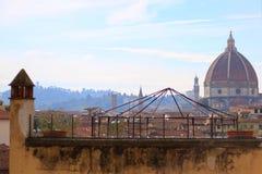 Weergeven over de daken aan de koepel van Santa Maria del Fiore stock foto