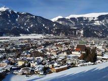 Weergeven over de Herbergenvallei en de stad royalty-vrije stock foto