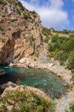 Weergeven over overzees aan de mooie lagune en de historische en archeologische advertentie Cragum Gazipasha Turkije van vestings royalty-vrije stock foto's