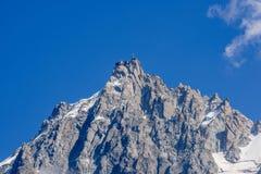 Weergeven van Aiguille du Midi, een deel van het Mont Blanc-massief stock foto's