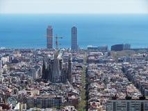 Weergeven van Barcelona, Spanje, van de heuvel van de Bunker in het bovenste gedeelte van de Stad royalty-vrije stock afbeelding