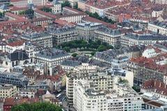 Weergeven van Bastilla-berg op Plaats Victor Hugo, Grenoble, Frankrijk stock fotografie